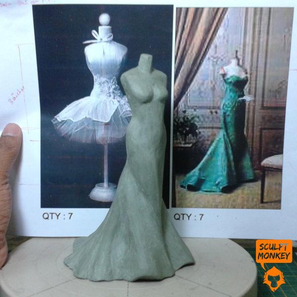 Tata Zoya Lace Jewellery - Full Dress Mannequin 01
