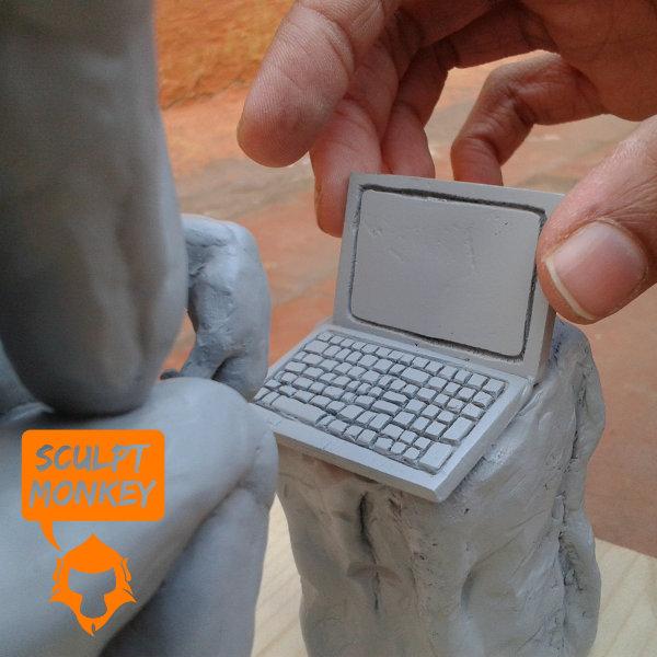 The Modern Thinker - Laptop detail